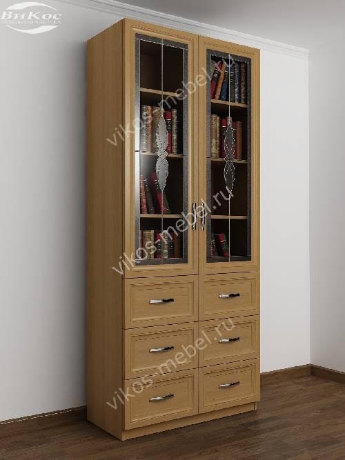 Витражный книжный шкаф со стеклянными дверцами с выдвижными ящиками шириной 80-90 см цвета бук