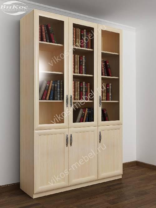 Трехстворчатый книжный шкаф со стеклом цвета молочный беленый дуб
