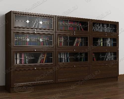 Трехдверный шкаф для книг библиотека с витражом цвета венге