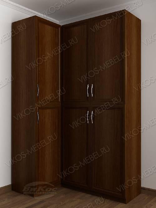 Трехстворчатый распашной угловой шкаф в спальню цвета яблоня