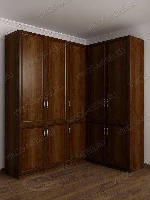 Широкий распашной угловой шкаф в спальню цвета яблоня