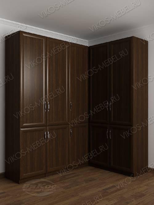 Широкий распашной угловой шкаф в спальню цвета венге