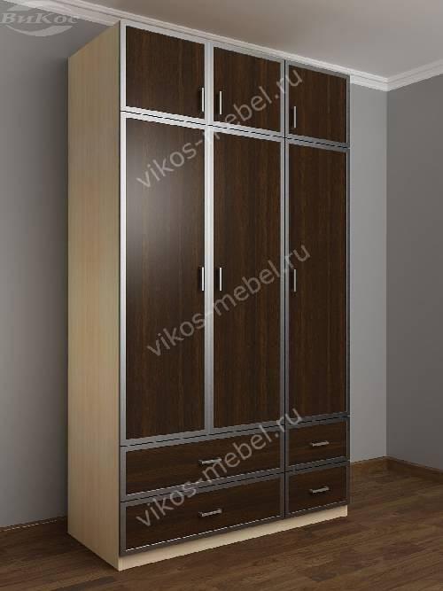 Трехдверный шкаф с распашными дверями для спальни с ящиками для мелочей цвета беленый дуб - венге