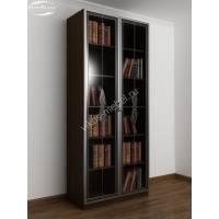 книжный шкаф c витражным стеклом цвета венге - молочный дуб