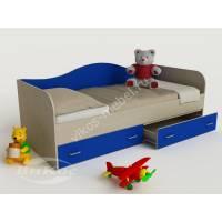 кровать в детскую для мальчика синего цвета