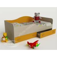 кровать в детскую с ящиками для мелочей желтого цвета