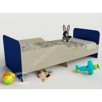 кровать для ребенка с защитными бортами для мальчика