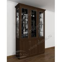 классический шкаф-витрина с витражом