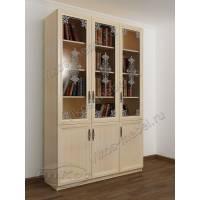 книжный шкаф со стеклом с пескоструйным рисунком цвета молочный беленый дуб