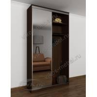 узкая прихожая с открытой частью с зеркальной дверью