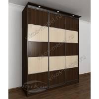 трехдверный шкаф с раздвижными дверями с подсветкой