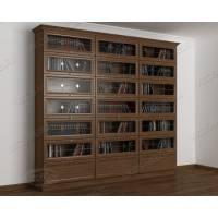 трехстворчатый книжный шкаф со стеклянными дверями библиотека