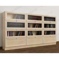 трехдверный шкаф для книг цвета молочный беленый дуб