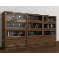 трехдверный шкаф для книг библиотека