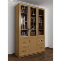 широкий книжный шкаф со стеклянными дверцами с витражом