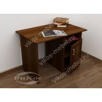 малогабаритный письменный стол со шкафчиком
